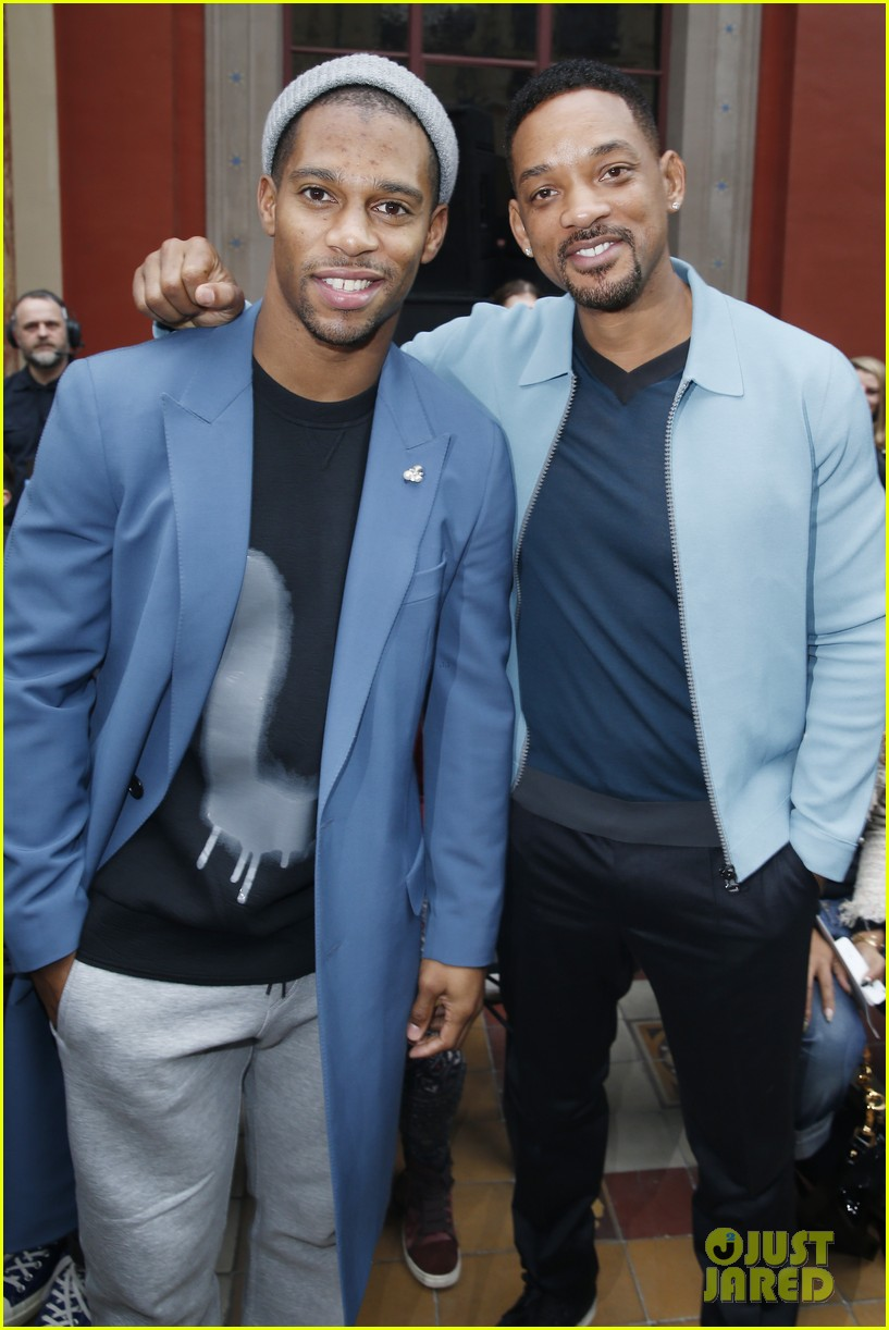 will smith lanvin fashion show with victor cruz 093036466