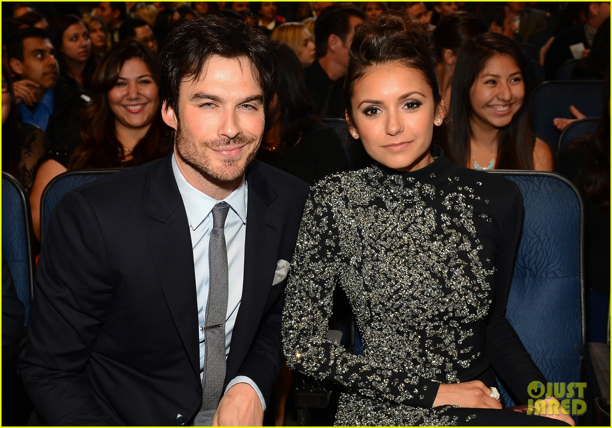 ian somerhalder nina dobrev joke about their breakup at peoples choice awards 023025743