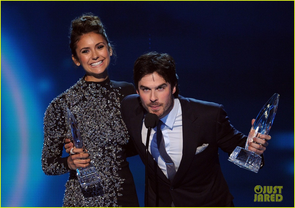 ian somerhalder nina dobrev joke about their breakup at peoples choice awards 10