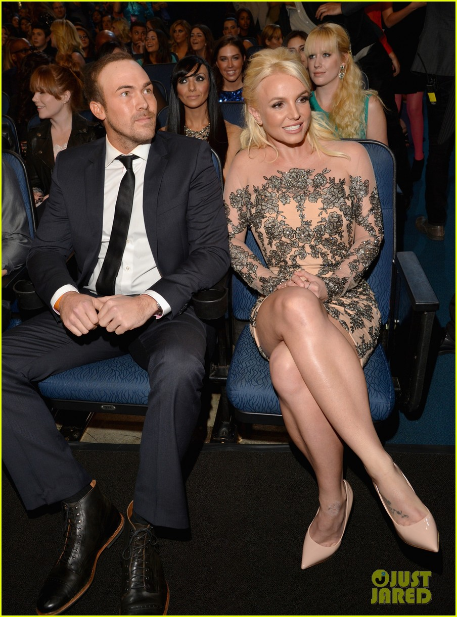 britney spears peoples choice awards 2014 with david lucado 01