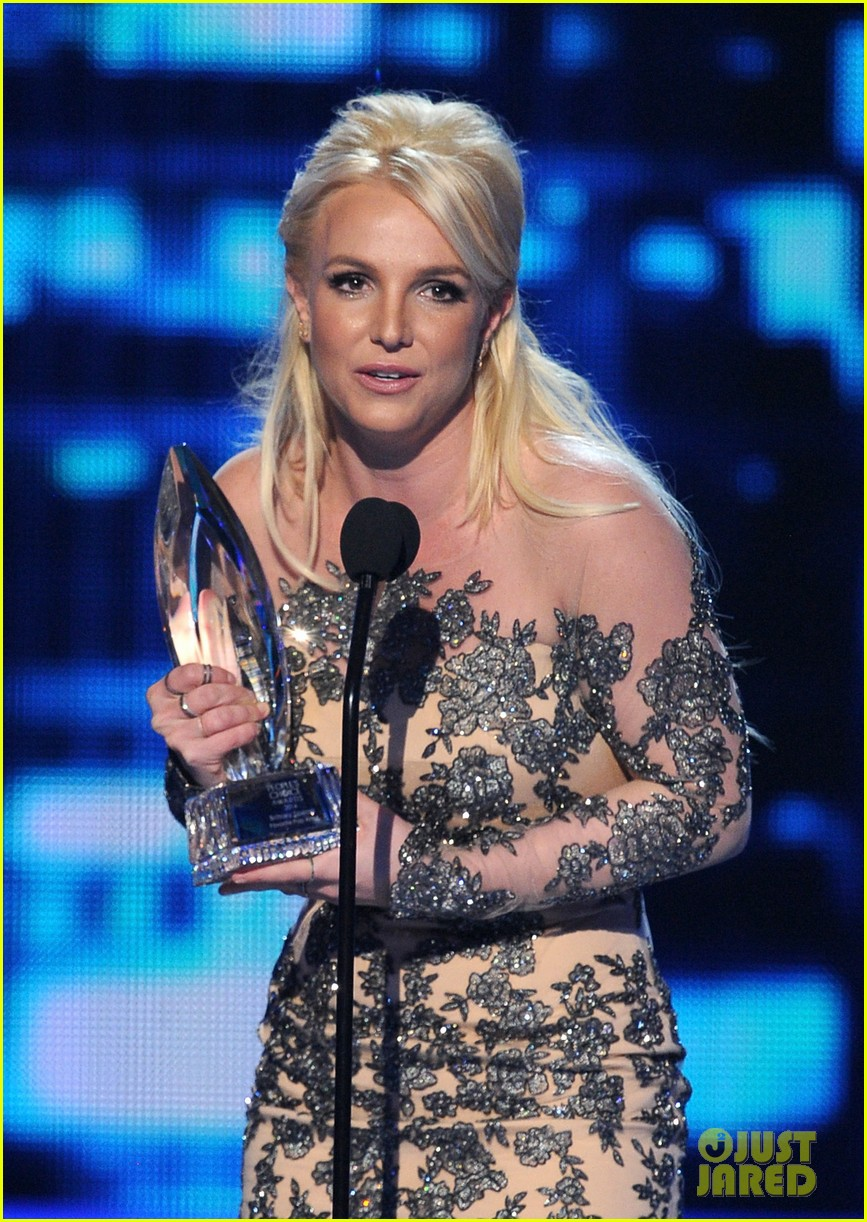britney spears peoples choice awards 2014 with david lucado 17