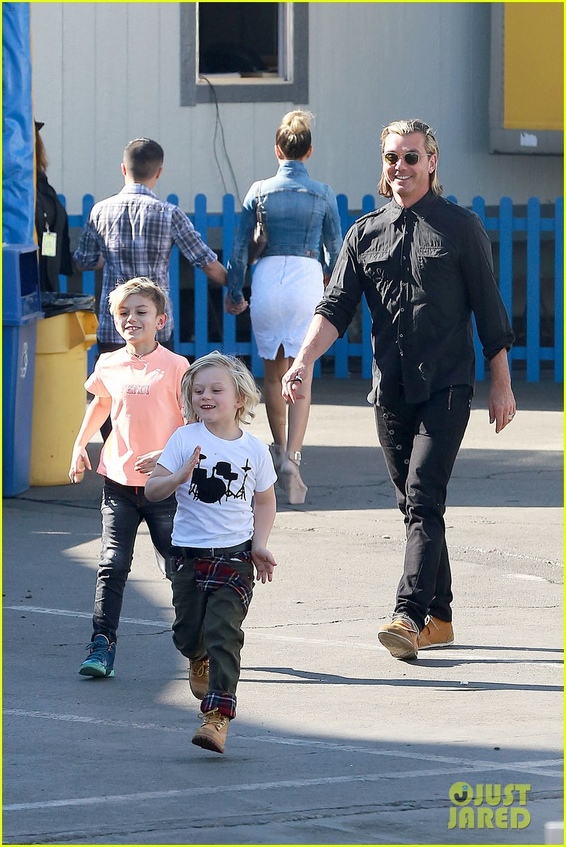 gwen stefani steps out with the family after baby boy news 133036992