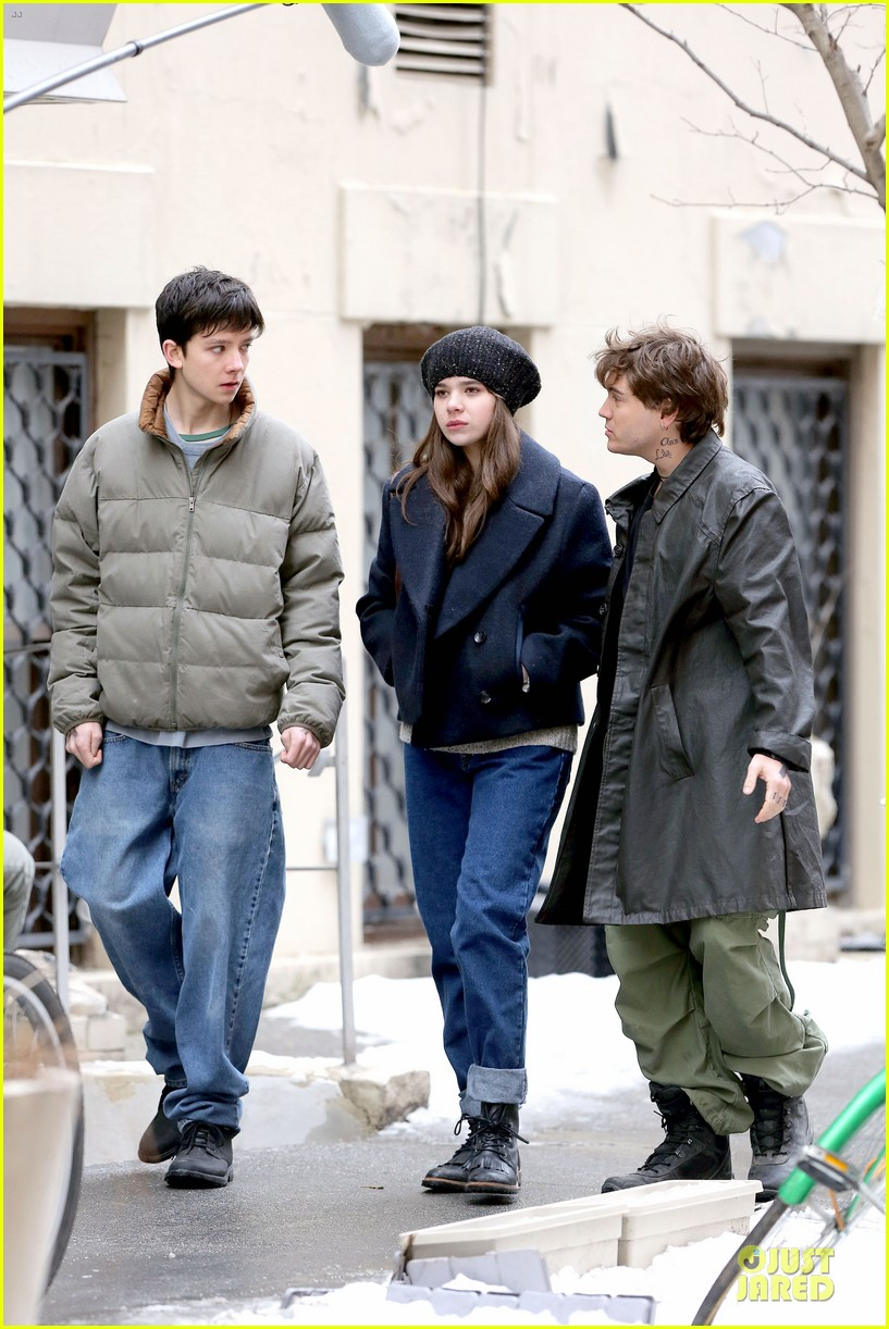 hailee steinfeld emile hirsch ten thousand saints set 03
