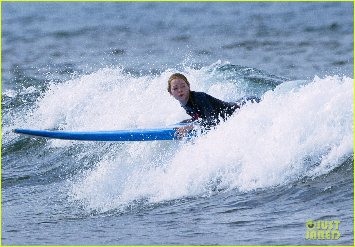 emma stone andrew garfield surf in hawaii 303023415