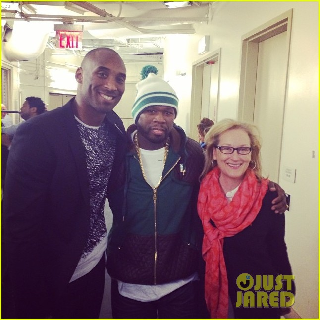 meryl streep gets gangsta with 50 cent at knicks game 013042044