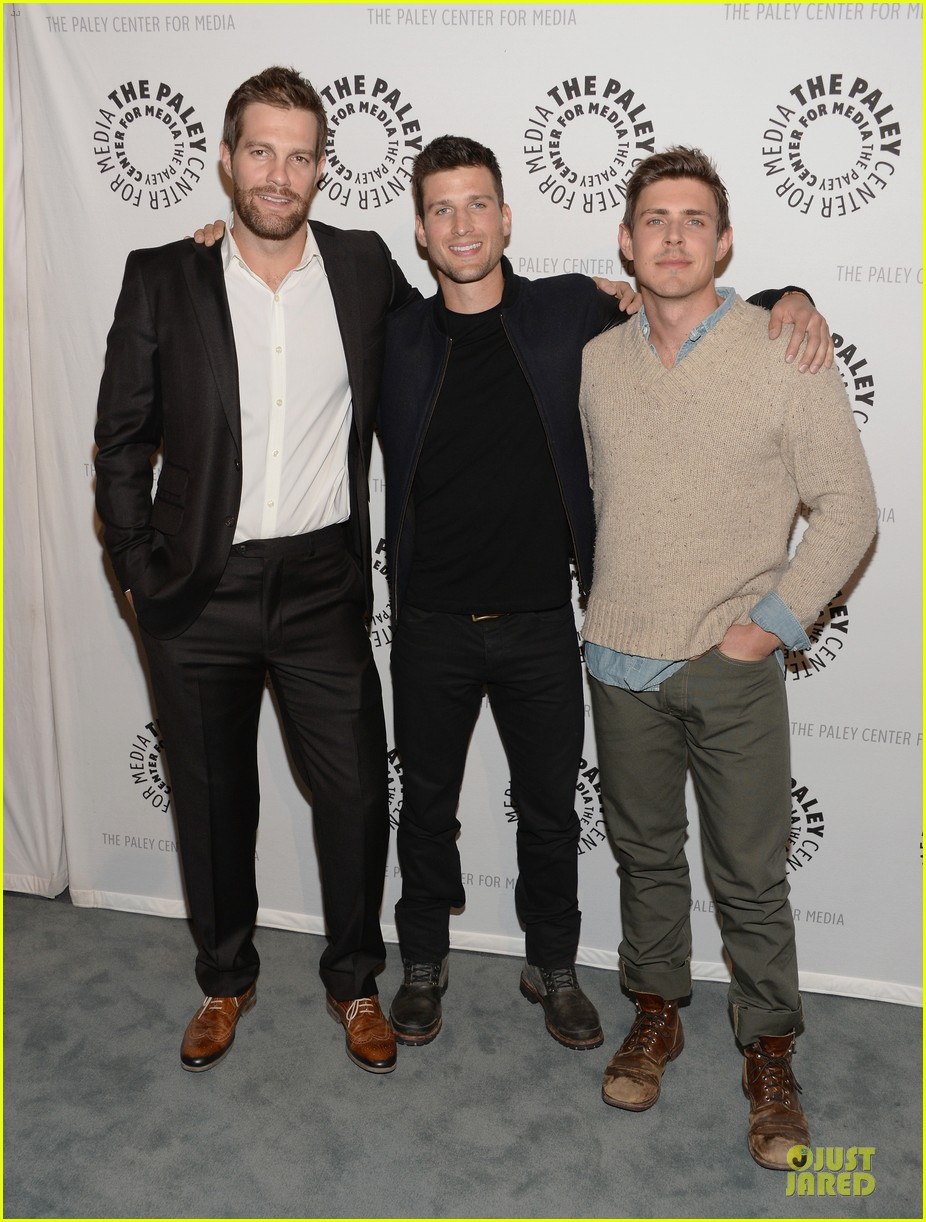 geoff stults chris lowell enlisted la premiere 01