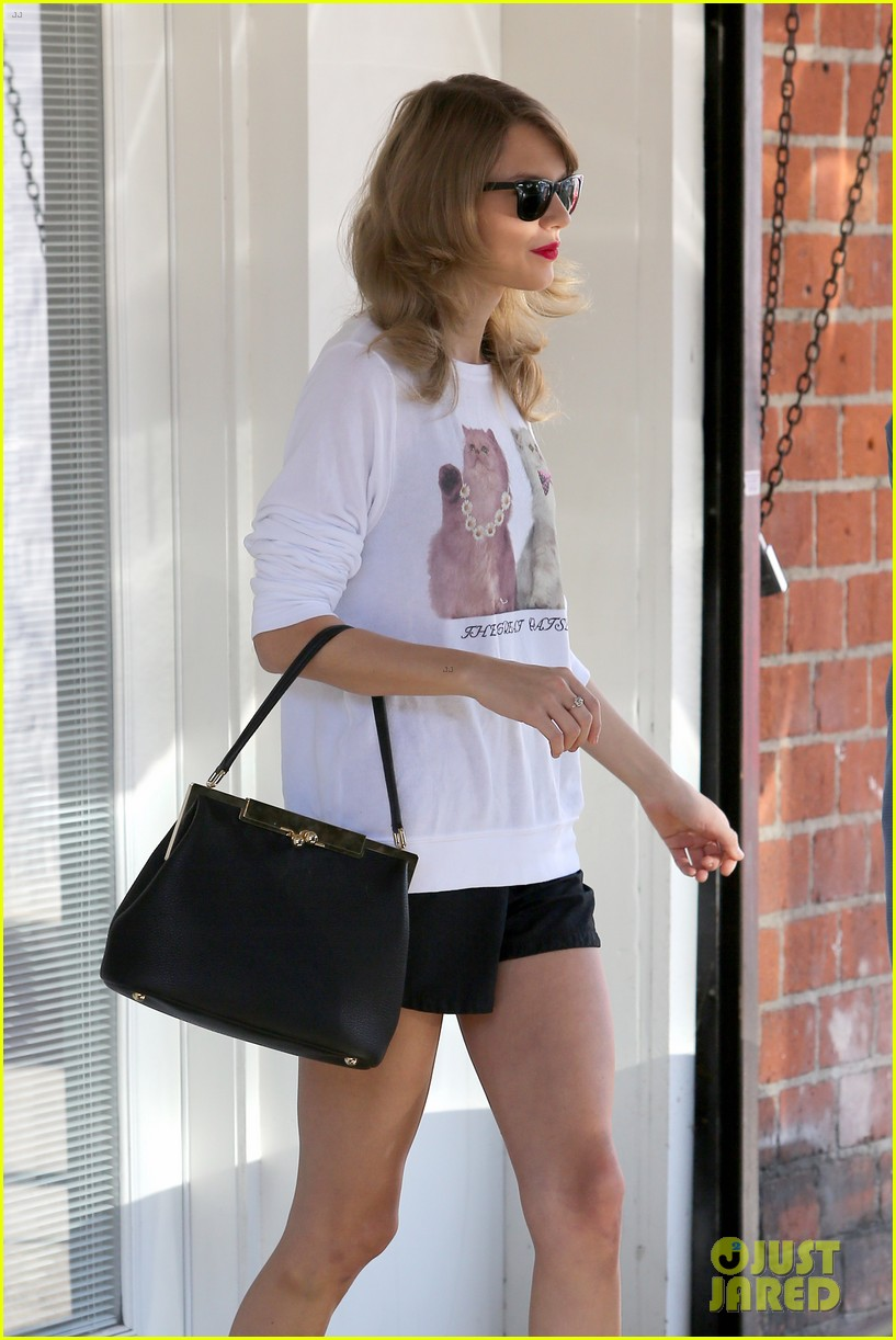 taylor swift bouchon lunch with new friend jaime king 063036474