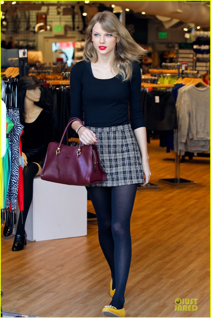 taylor swift starts new year with shopping 07