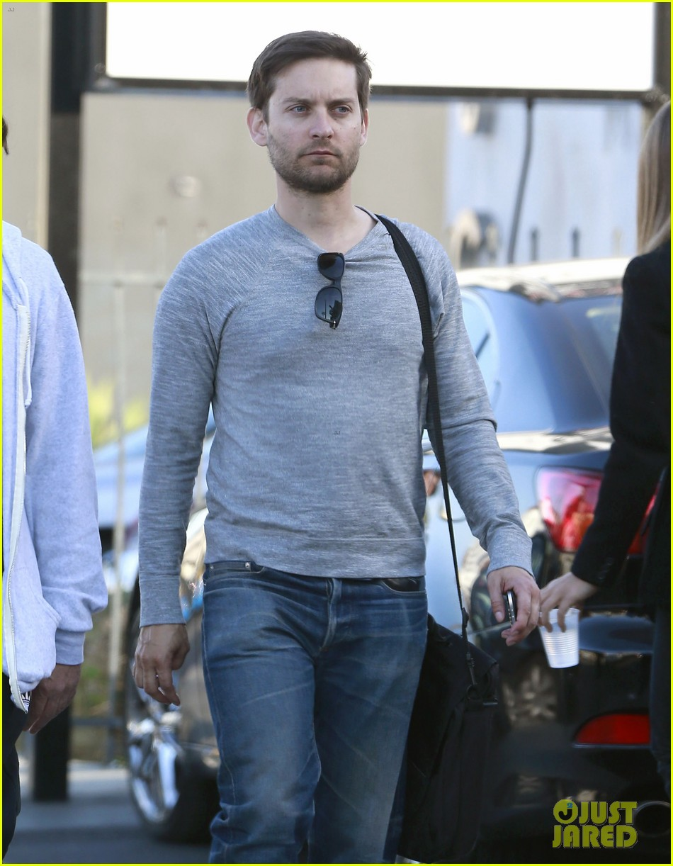 tobey maguire im so proud of leonardo dicpario 24