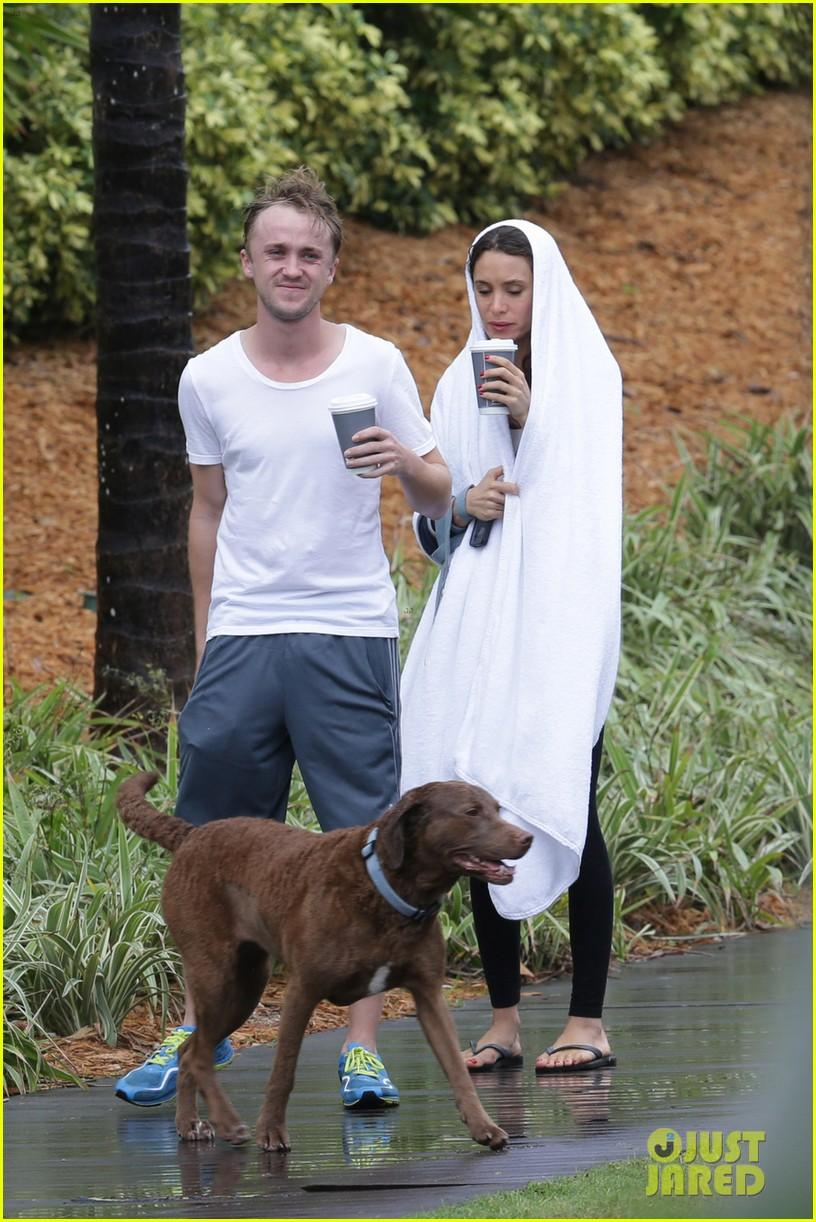 tom felton jade olivia rainy day dog walk 02