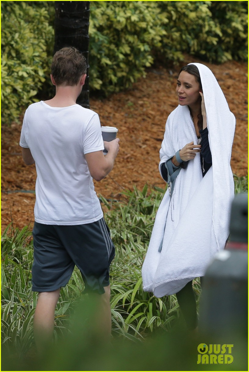 tom felton jade olivia rainy day dog walk 06