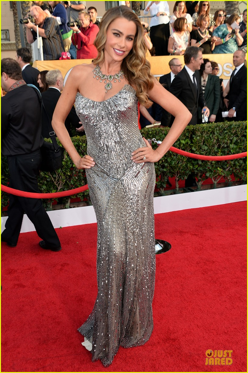 sofia vergara julie bowen sag awards 2014 red carpet 14