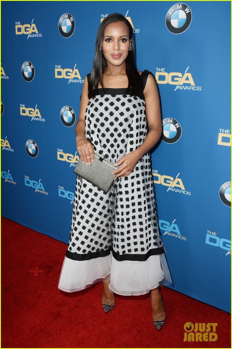 kerry washingtons baby bump fills out dress at dga awards 05