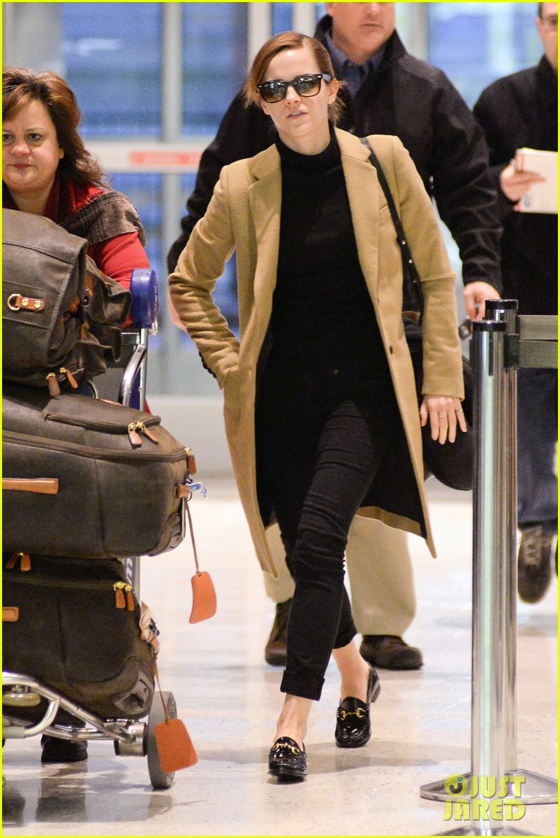 emma watson leaves new york city after quick trip 04