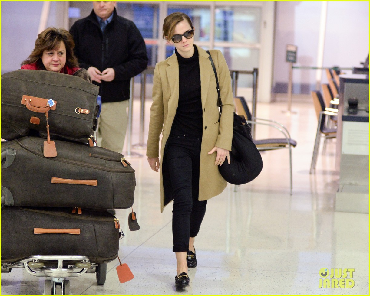 emma watson leaves new york city after quick trip 07
