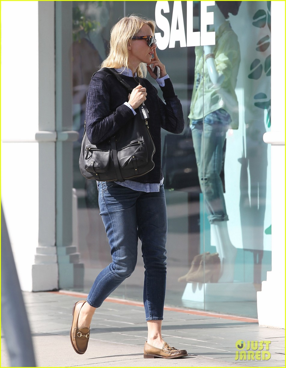 naomi watts keeps busy in brentwood 18