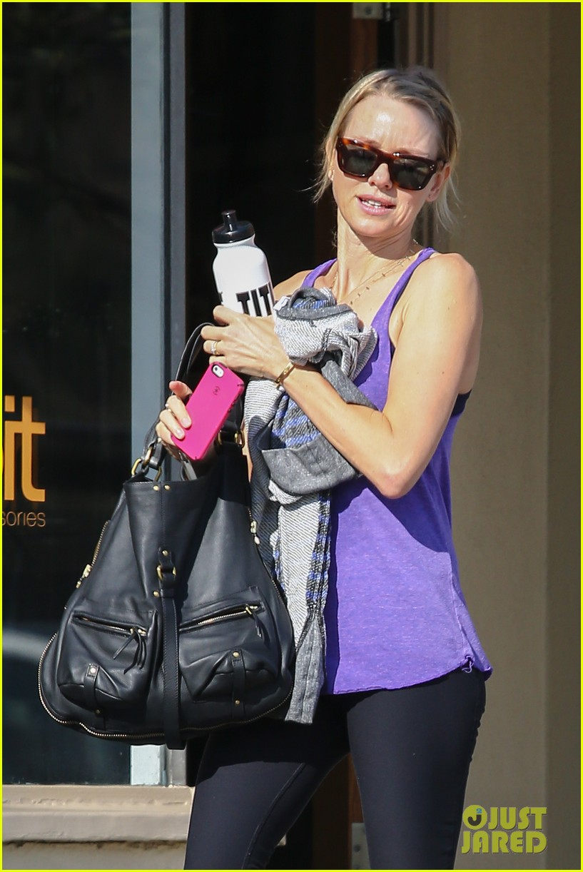 naomi watts runs lots of errands in los angeles 103026241