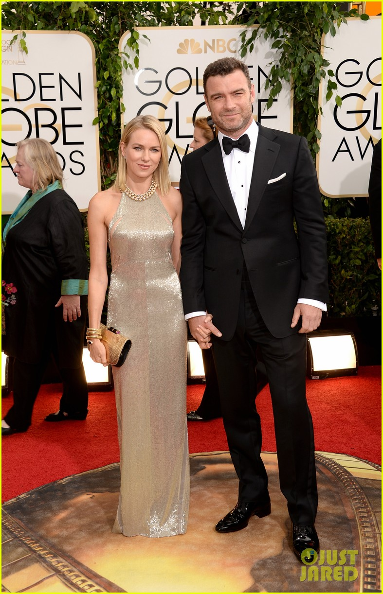 naomi watts liev schreiber golden globes 2014 red carpet 013029156