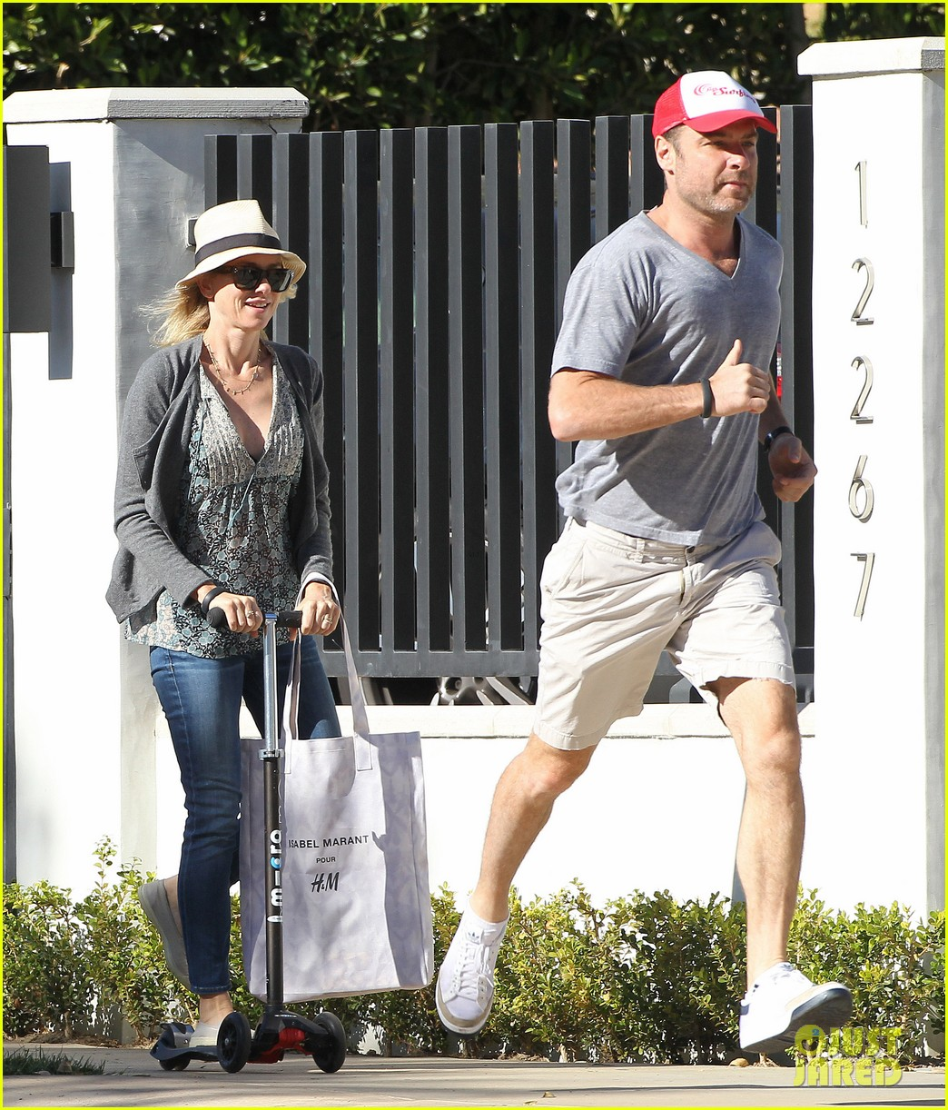 naomi watts liev schreiber run after the kids at the park 20