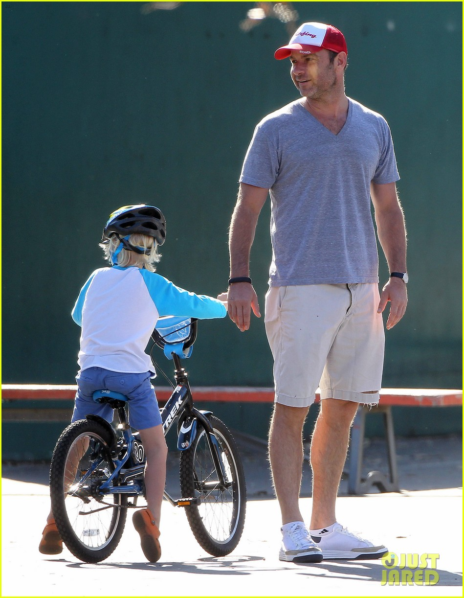 naomi watts liev schreiber run after the kids at the park 243023629