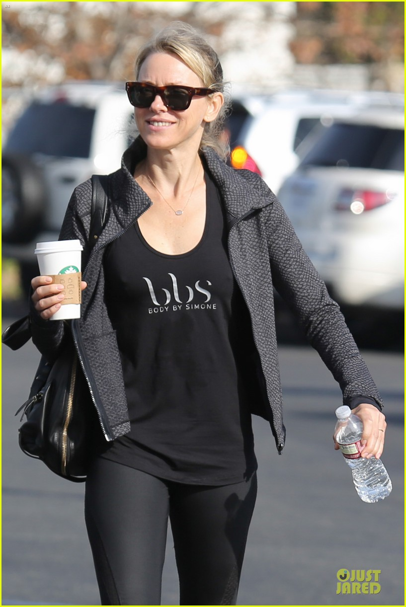 naomi watts liev schreiber grabs lunch with sarah michlle gellar 02