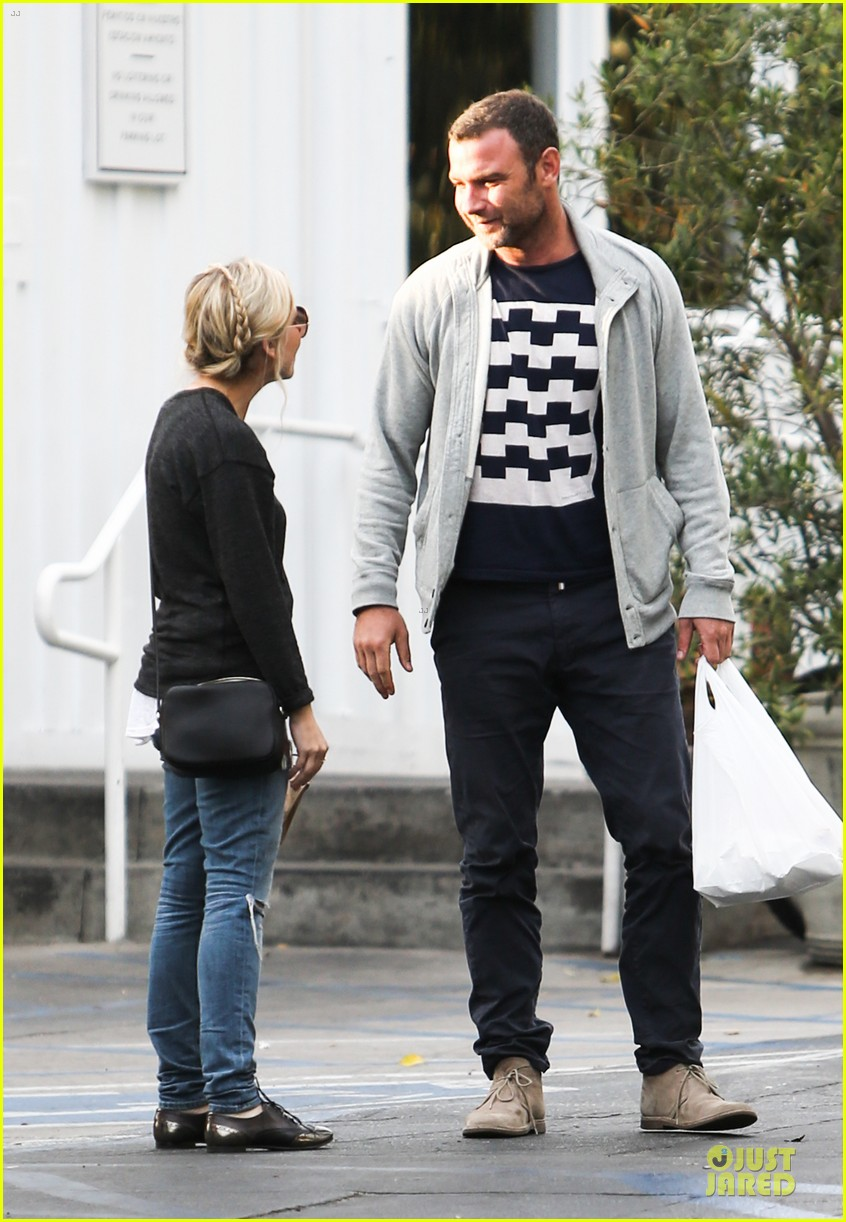 naomi watts liev schreiber grabs lunch with sarah michlle gellar 243043143