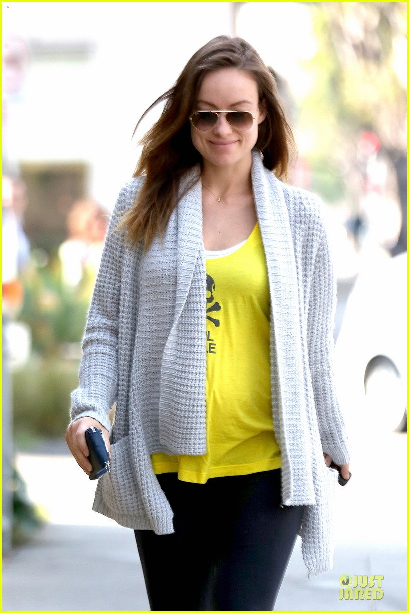 olivia wilde im very happy to see rain in la 043043371