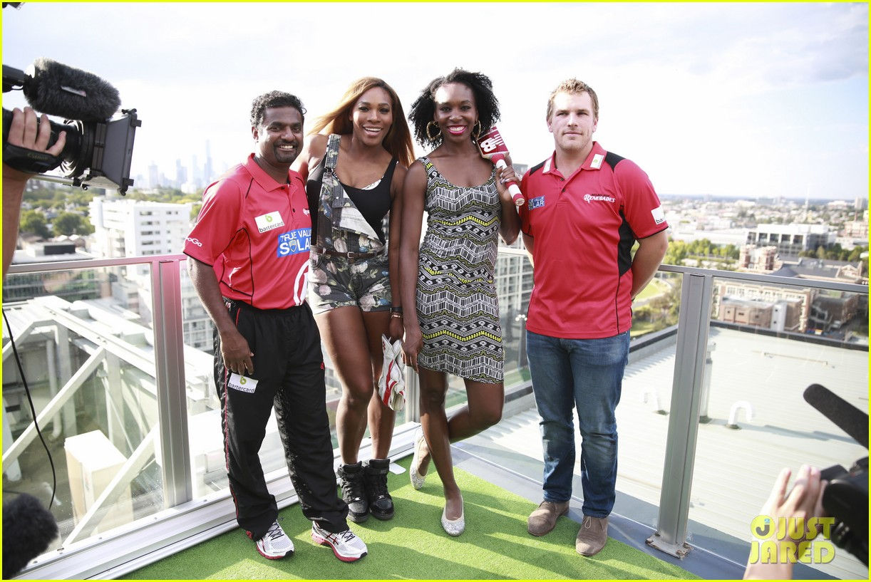 venus serena williams play cricket with the pros 05