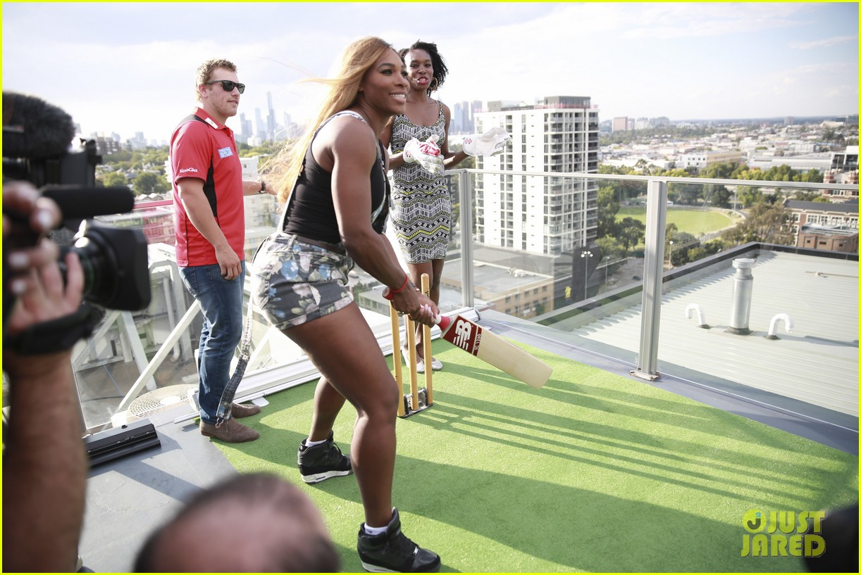 venus serena williams play cricket with the pros 14