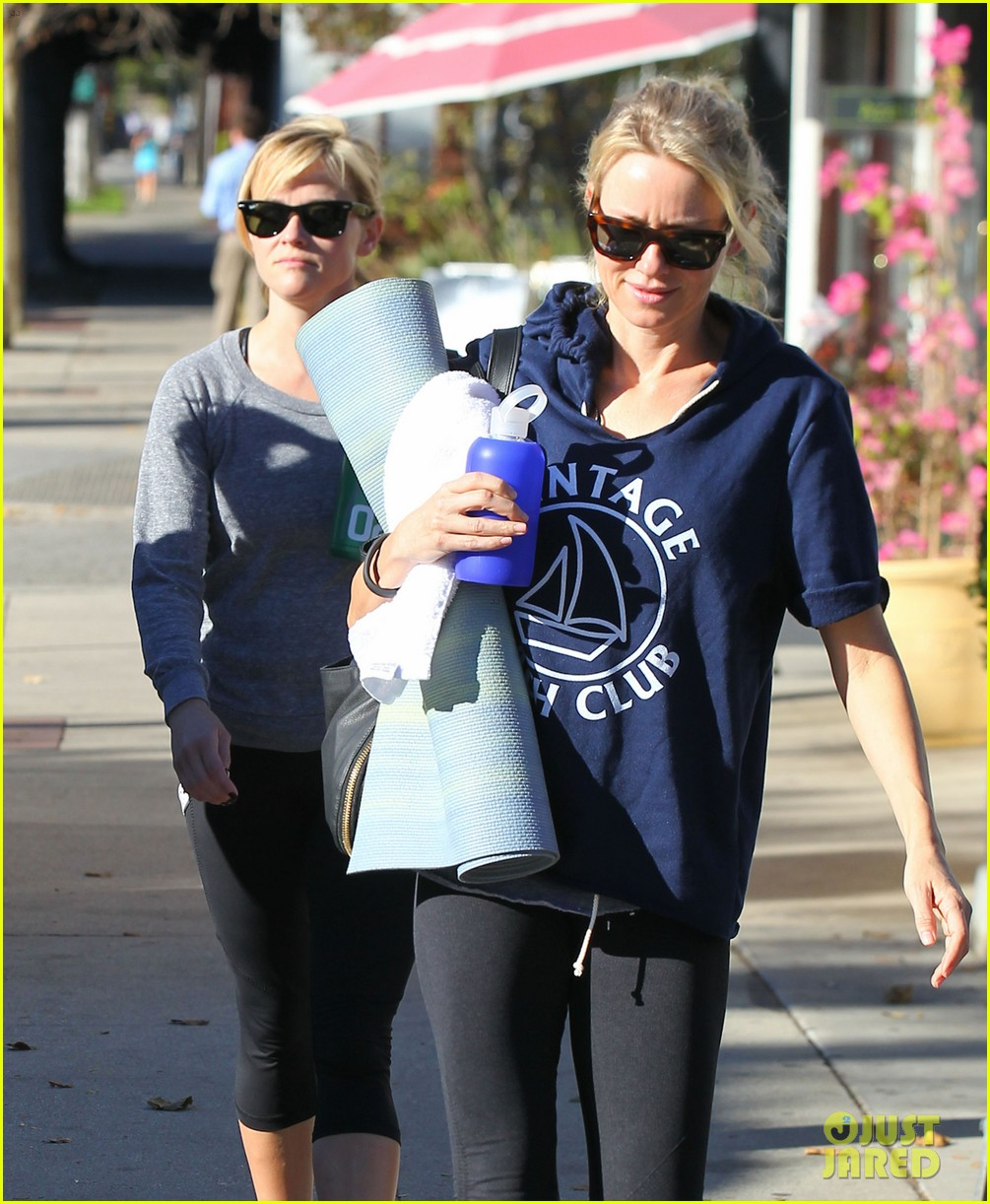 reese witherspoon naomi watts yoga workout buddies 10