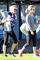 reese witherspoon naomi watts yoga workout buddies 07