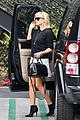 reese witherspoon pampering session after morning workout 12