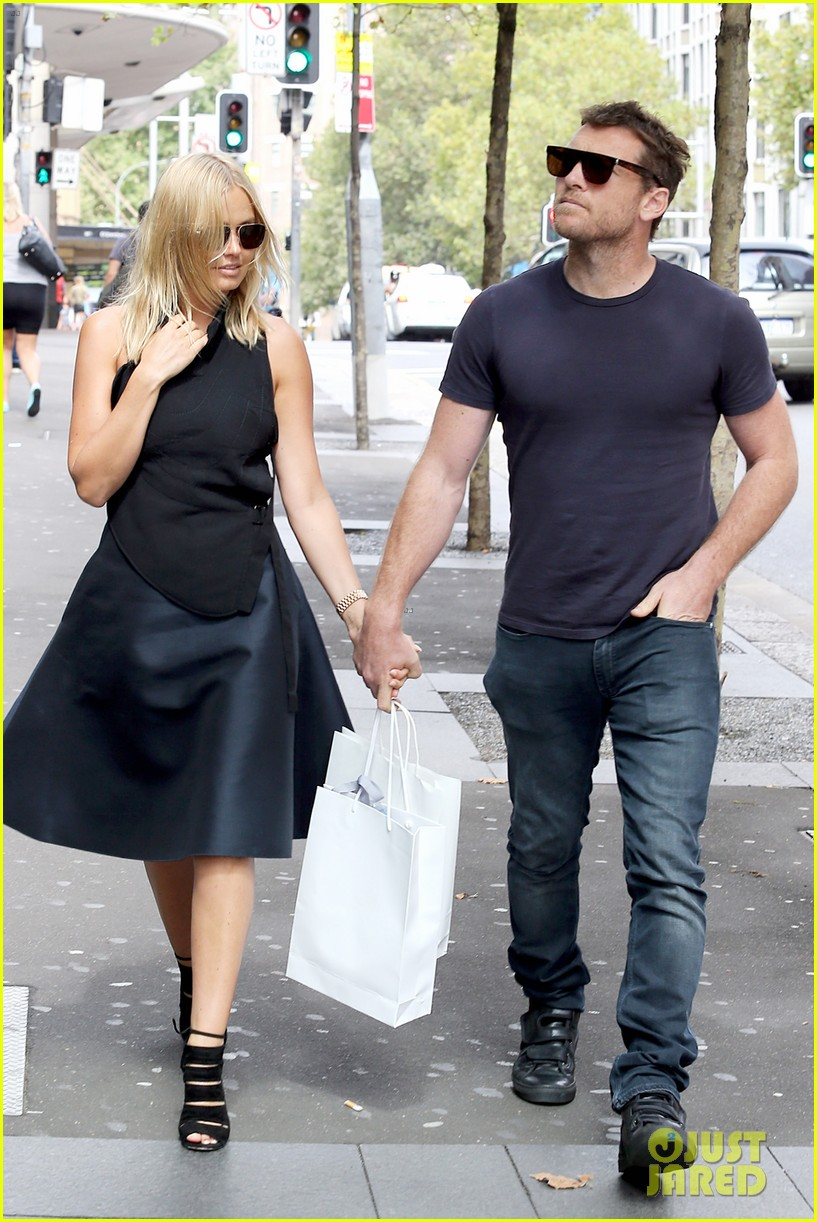 sam worthington lara bingle wear matching rings on that finger 20