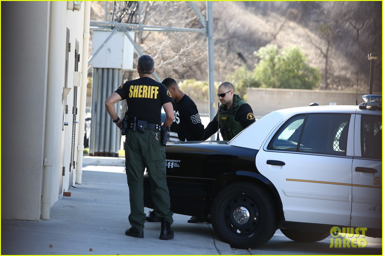 lil za arrested after justin biebers house raided photos 04
