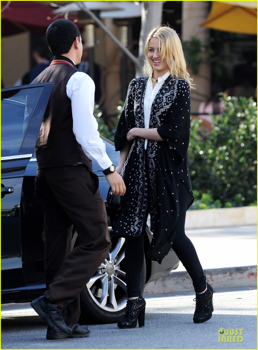 dianna agron chatting babe at bouchon bistro 10