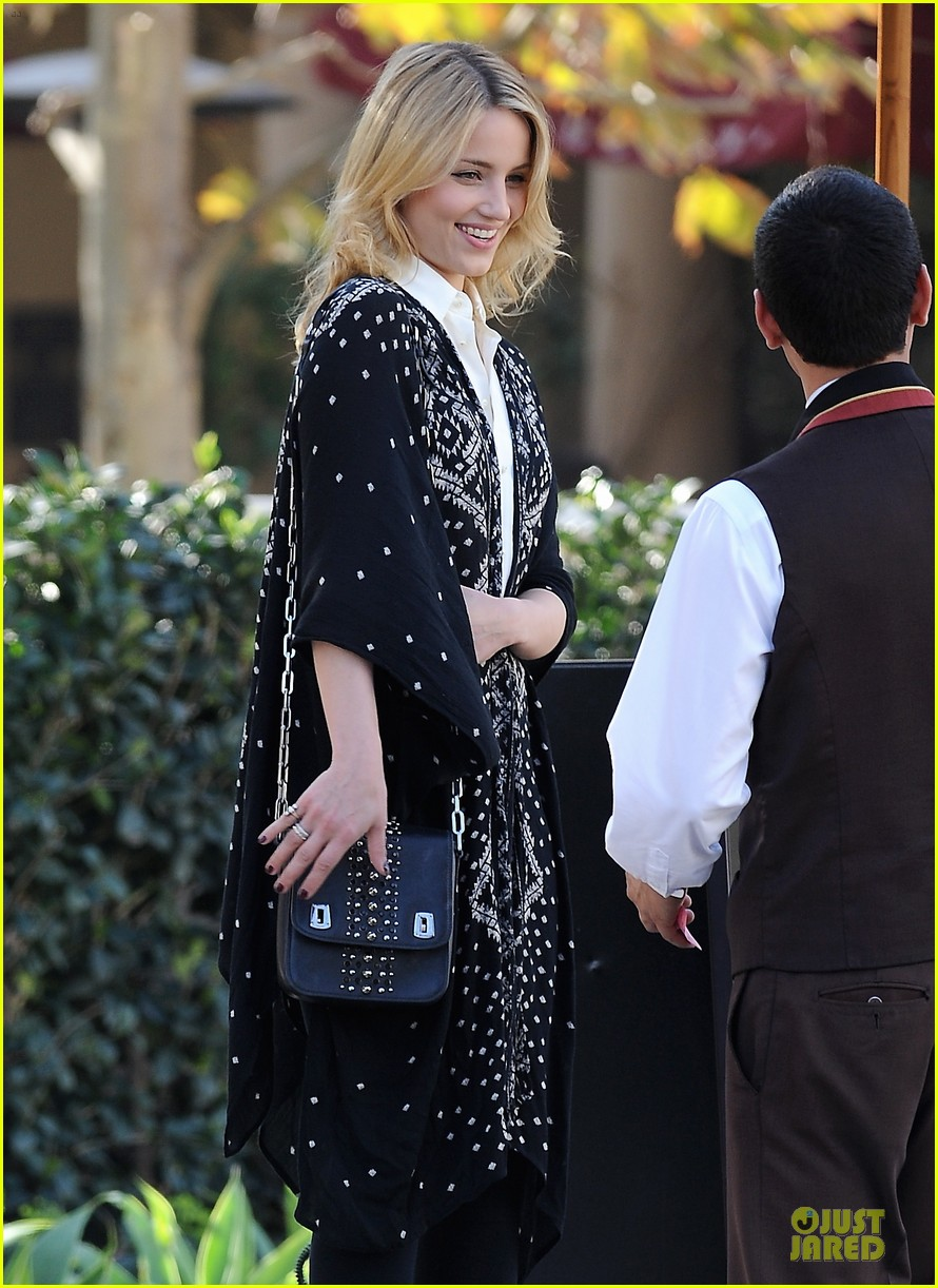 dianna agron chatting babe at bouchon bistro 11