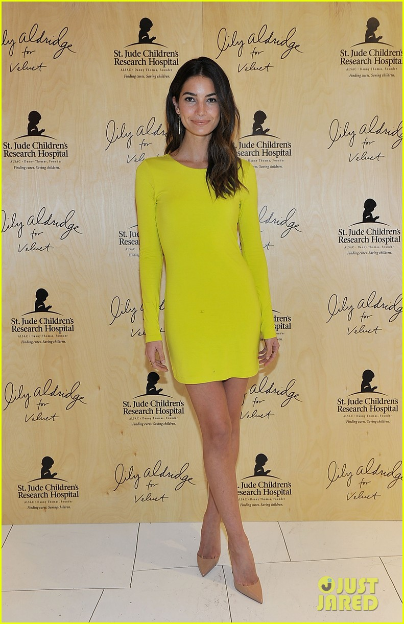 lily aldridge launches velvet line surrounded by celebrity pals 133052071