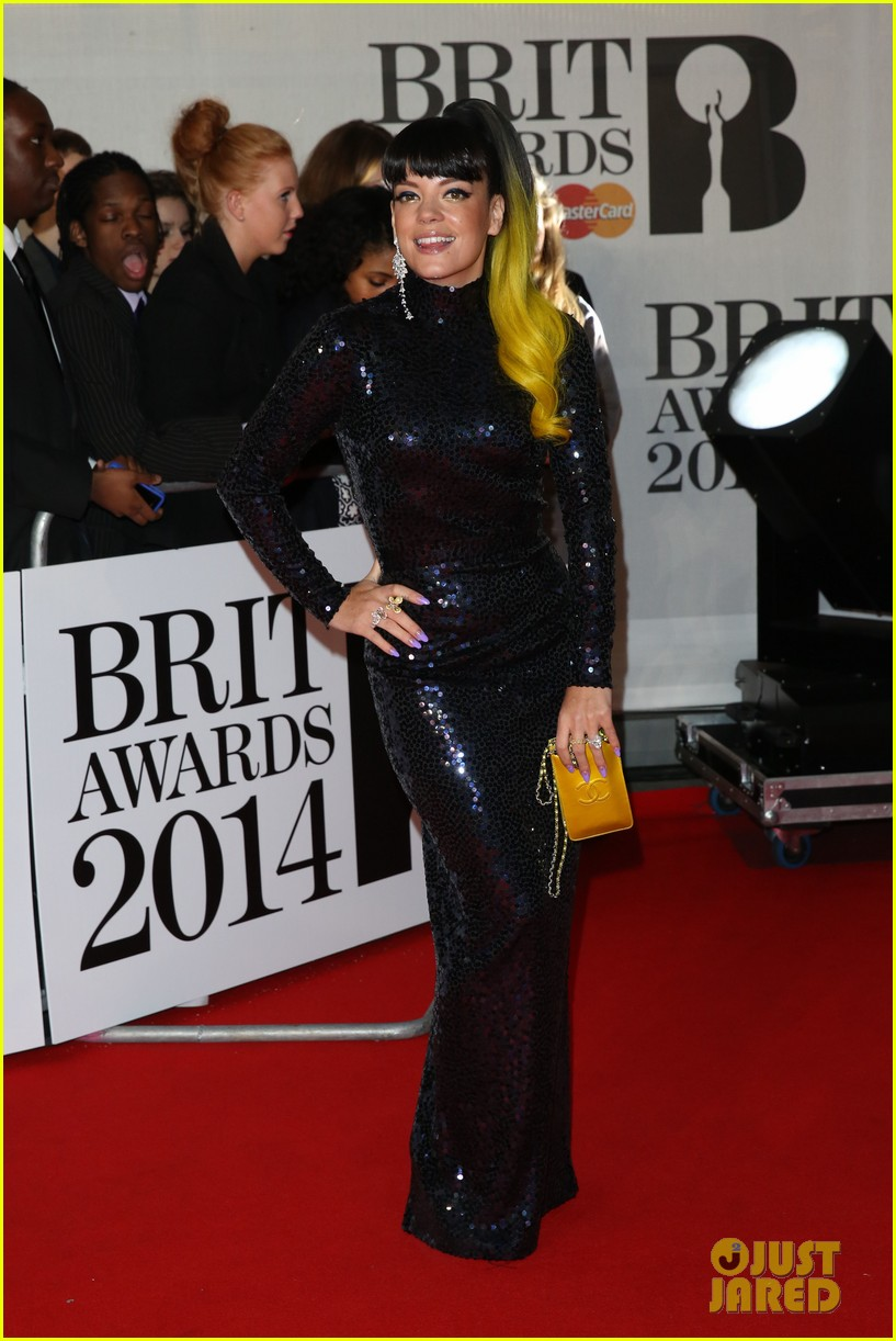 lily allen jessie j brit awards 2014 red carpet 013056293