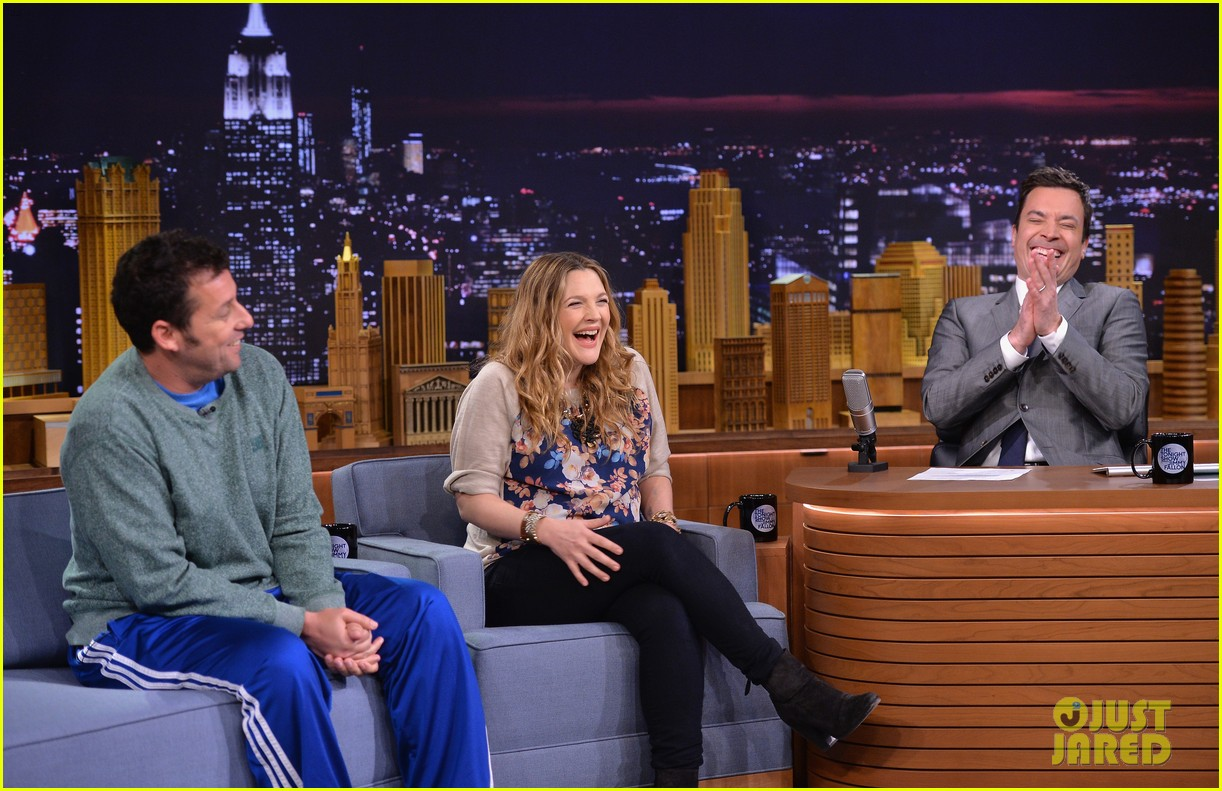 adam sandler sings to pregnant drew barrymore on fallon 08