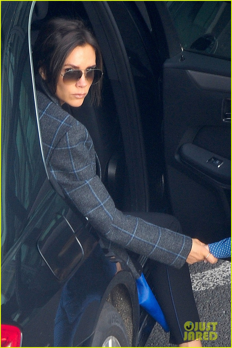victoria beckham stayed in london while david attended super bowl 2014 11
