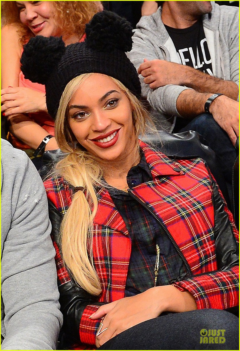 beyonce jay z brooklyn nets game with super bowl champion russell wilson 023047288