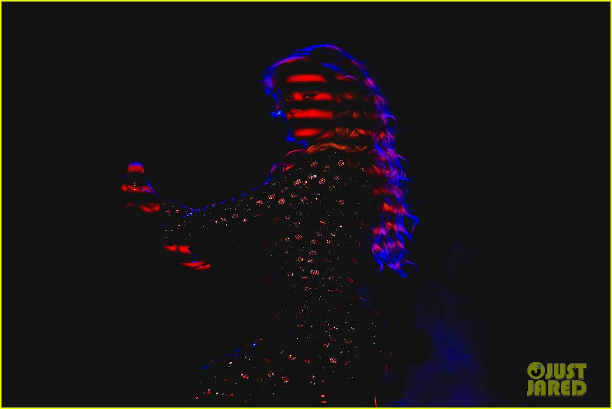 beyonce performed yonce live our week has officially been made watch now 20