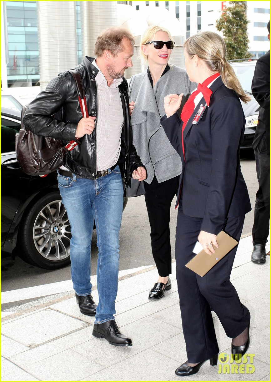 cate blanchett flies out of sydney en route to the oscars 2014 11