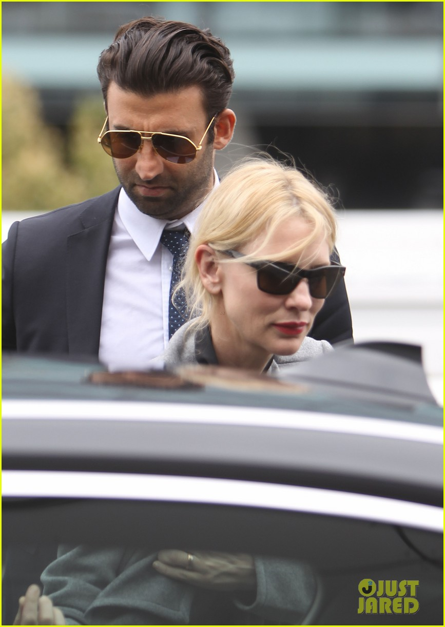 cate blanchett flies out of sydney en route to the oscars 2014 15