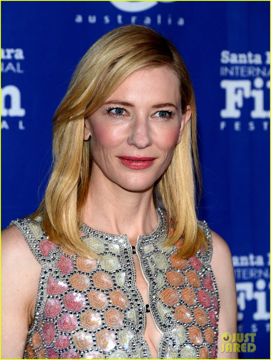 cate blanchett honored by rooney mara at santa barbara film festival 06