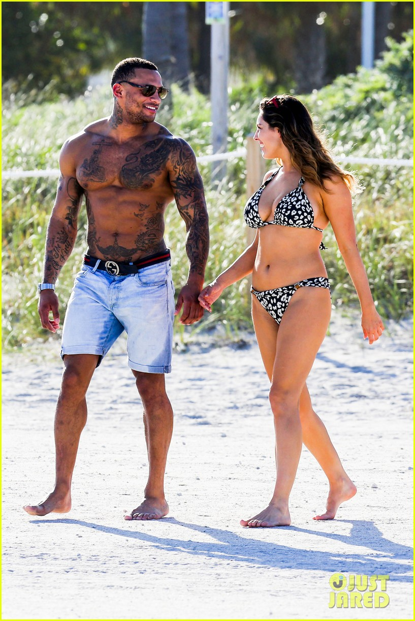 kelly brook bikini babe with macho boyfriend david mcintosh 18