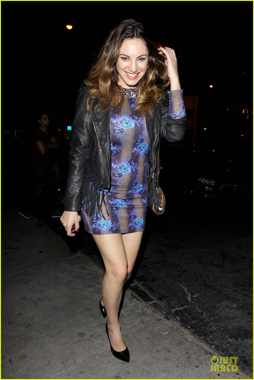 kelly brook brook mcintosh hold hands at 1 oak nightclub 01