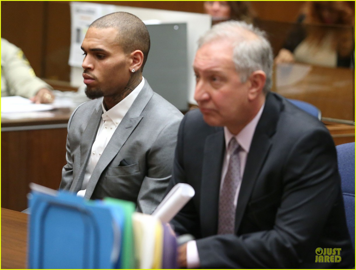 chris brown diagnosed with bipolar disorder ptsd staying in rehab for 2 more months 07