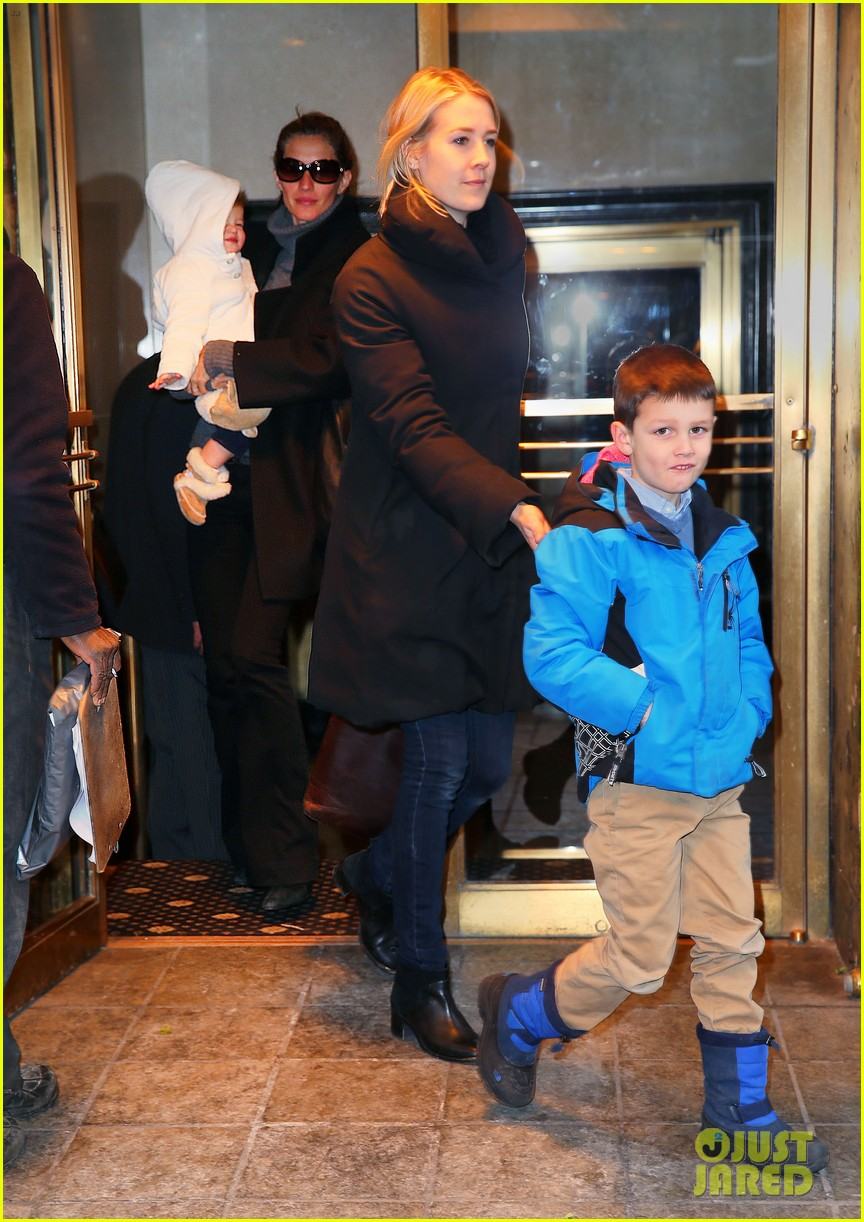 gisele bundchen tom brady separate coasts with the kids 013052627