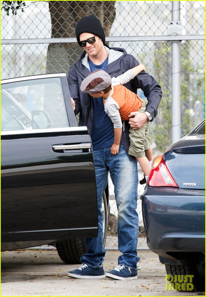 gisele bundchen tom brady separate coasts with the kids 053052631